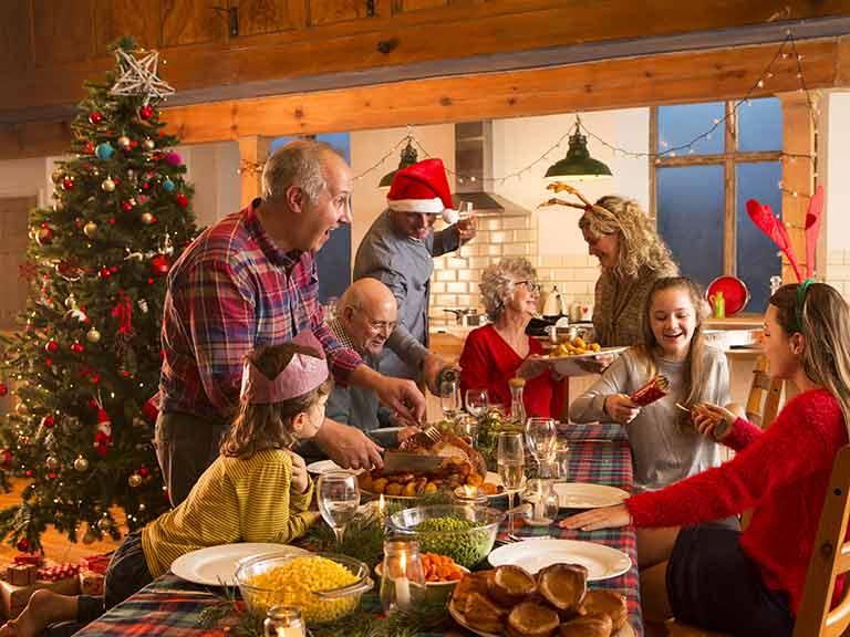 Αποφεύγοντας τις εντάσεις στα γιορτινά, οικογενειακά τραπέζια